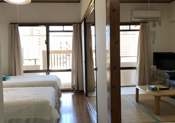 Family twin Japanese-style room (up to 5 people)