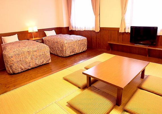 Japanese-Western style room A (twin bed +6 tatami)