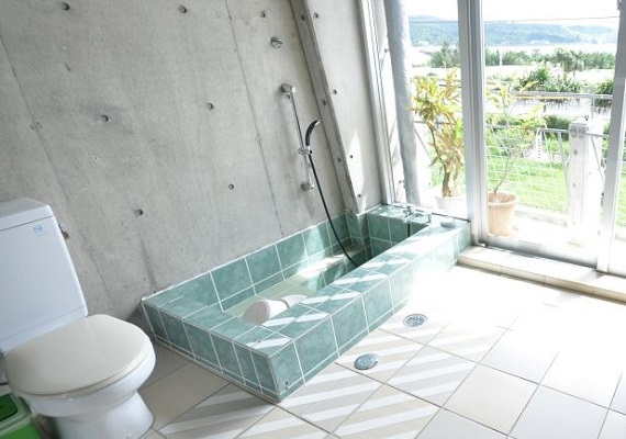 Show courage and try something extraordinary! Open bath (image)