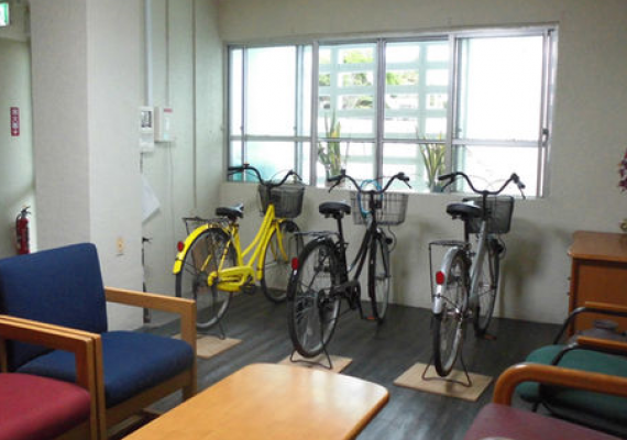 3 rental bicycles available!