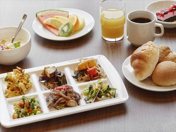 [WEB percent] hoteruazatto Naha that there are two people and stays! With delicious breakfast buffet (with breakfast)