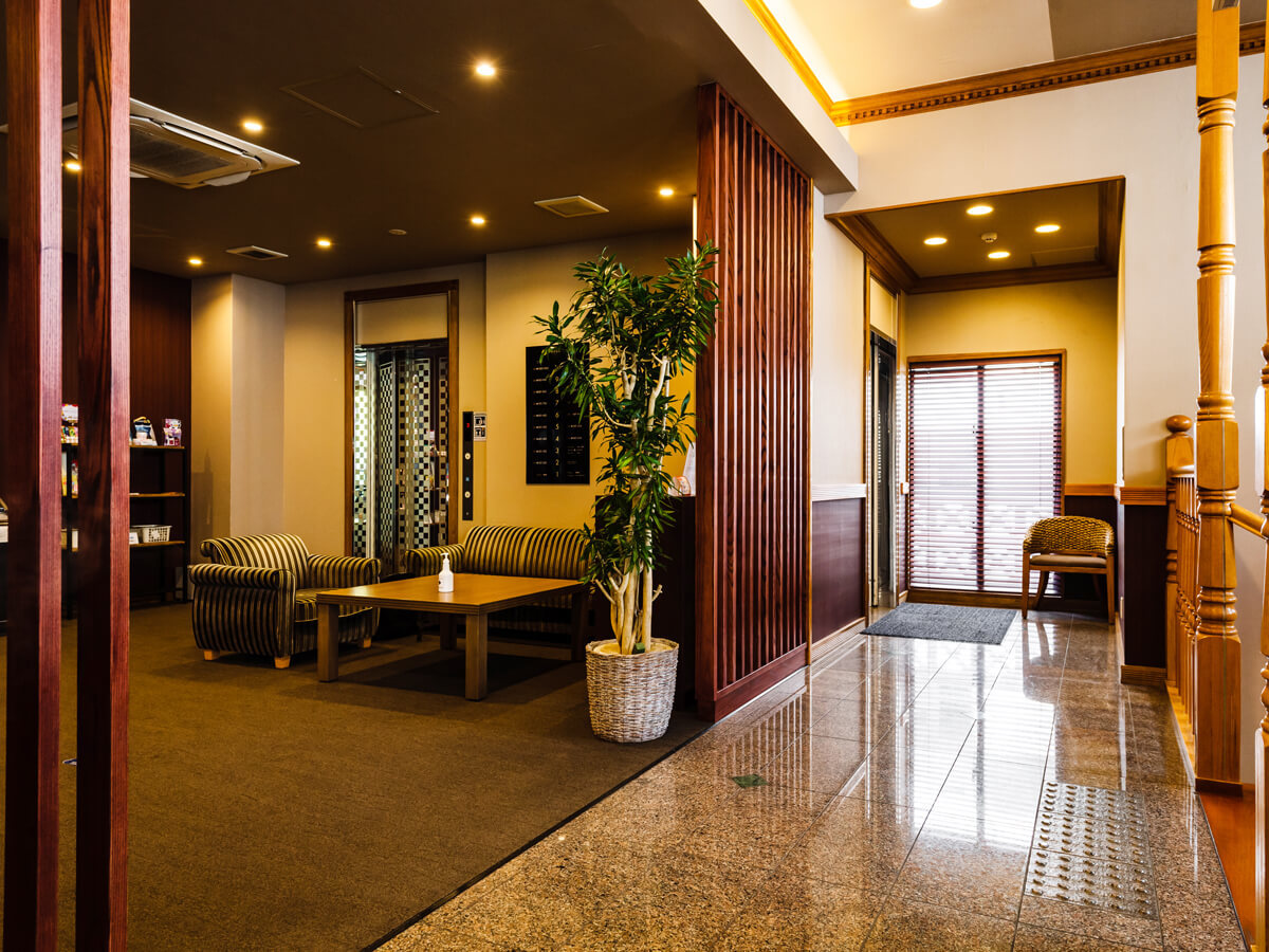 【Lobby】HOTEL AZAT is looking forward to your visit.