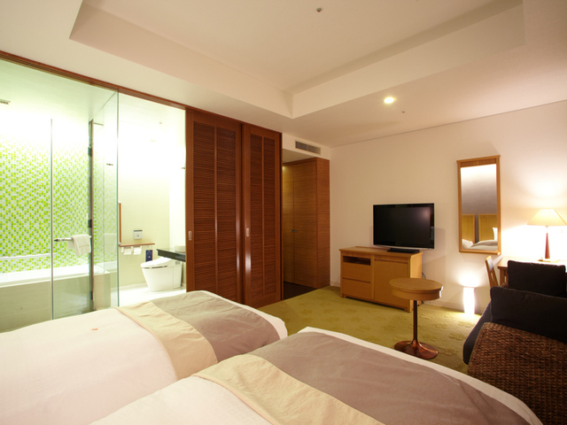 39.8 ㎡ pacific premium twin room (non-smoking) / with bath and toilet