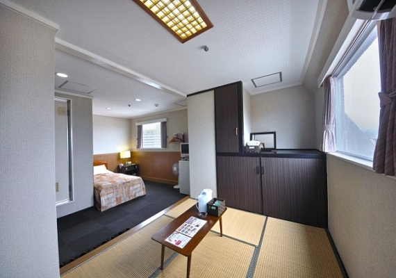 Japanese-Western style room【WiFi is available in all rooms】