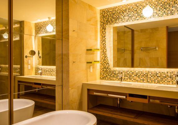 Bathroom of Marina king. Enjoy comfortable and broad shower room with individual shower booth.