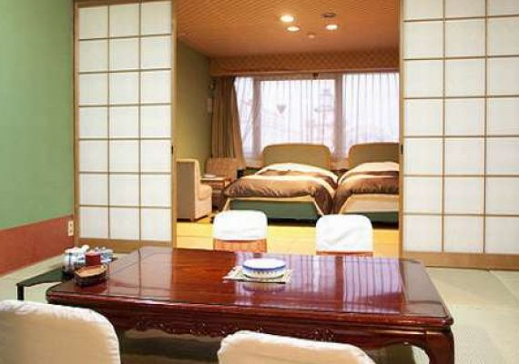 Japanese-Western style room (10 tatami space + room with twin beds)