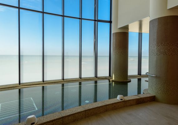 "The ""large communal bath & sauna"" use is free with south tower hotel guest privilege"