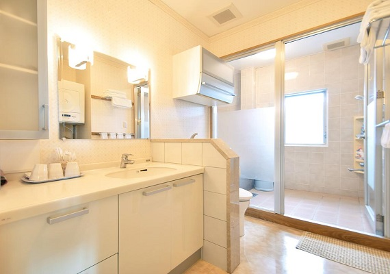 【Guest room】 Clean washstand and shower room