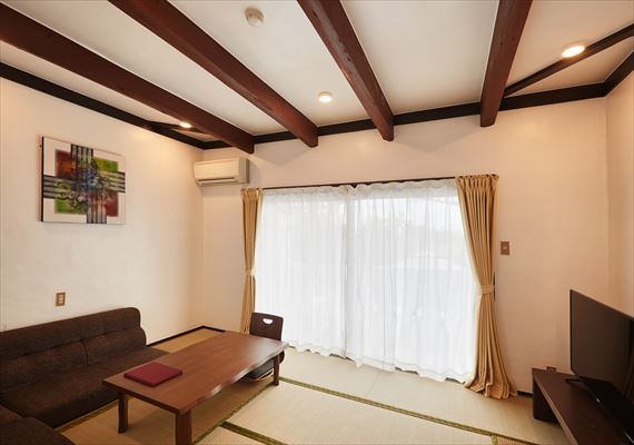 Japanese-style room where is popular among everybody ☆All the families relax in peace and can do it♪