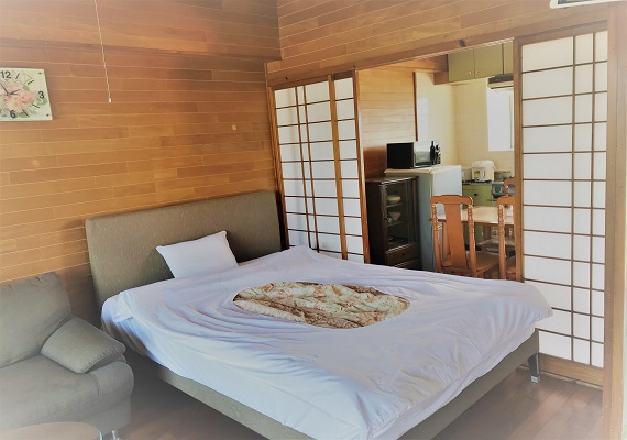 [smoking] Japanese-Western style room, double bed