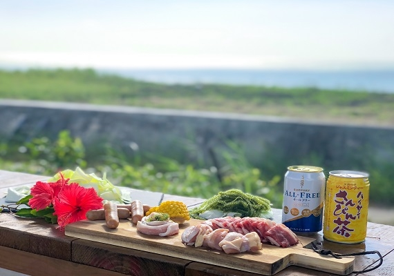 BBQ makes a reservation, too; heard. It is comfortable while enjoying sunset from the evening while seeing the sea and is the best in the daytime!