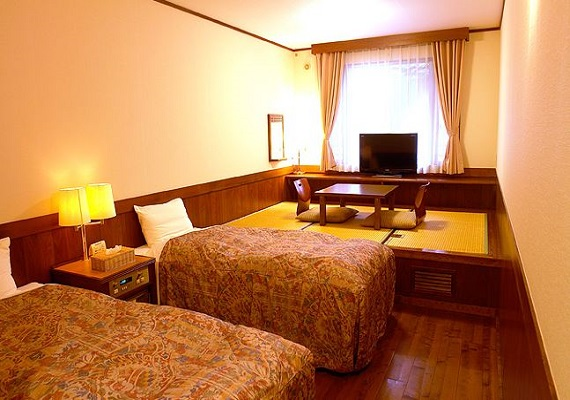Japanese-Western style room C (twin bed +3 tatami)