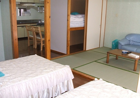 【Non-smoking 】Family twin Japanese-Western style room
