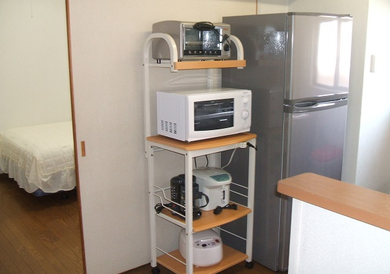 It is with microwave oven toaster, electric pot, rice cooker.