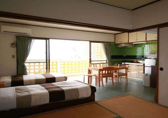 0 minutes to the sea! Condominium with kitchen