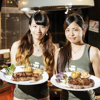 Vibrant and spirited STEAK GIRLS?Yes! It is right here! Delectable American Steak awaits you!