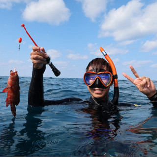 Fishing inside the water?! This is Fishing by Snorkeling Experience!