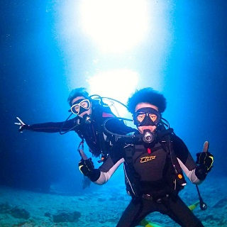 Learn with a professional instructor!! Very Popular !! Blue Cave Diving Experience by Boat!
