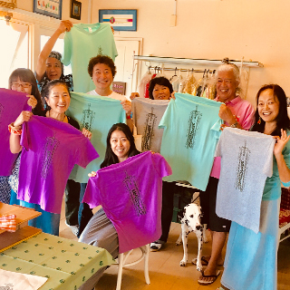 【OKINAWA T-shirt making】 silk screen printing experience