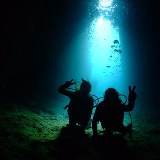 Introductory Diving with bait& Blue Cave  Easy to go by boat♪
