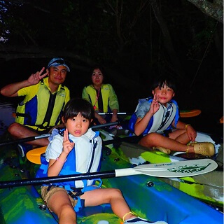 Night Kayak Tour. 1 child can experience for free♪ Easy access, held in the central area of Okinawa.【Family discount】