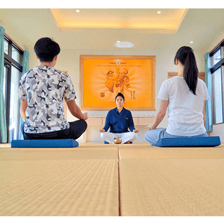 【Yoga & Mediation in Onna-son, Okinawa】Breathing & Meditation surrounded by Nature. Recharge your energies to the fullest & refresh yourself! It's easy for everybody and available even on rainy days. Feel the incense benefits during the meditation.