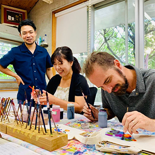 【An experience that is only available here!】Learn how to Dye and Carve the pattern of the Bingata with a Professional Craftsman! 「Bingata Making Experience」