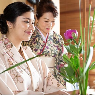 【Japanese culture experience in Onna-son, on Thursdays】~Japanese art of flower arrangement ~