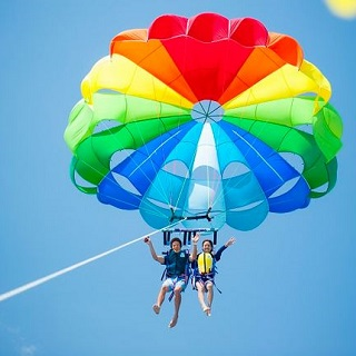 A value combo package! Choose between 3 types of sports tubing towables & also enjoy Parasailing plan!