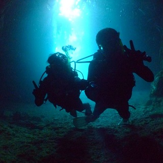 【Applicable Discount from 2 participants or more】Blue Cave Diving Experience