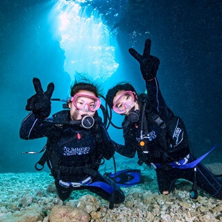 Blue Cave Diving Experience★Take a boat out to Okinawa ocean★Fish Feeding Experience ★