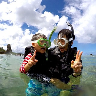 Suitable for aged 2 and above! Picnic by the sea & Snorkelling