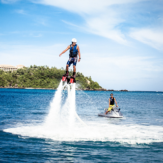 Fly over the sea with Flyboard!! Feel refreshed when ascending to the water surface!