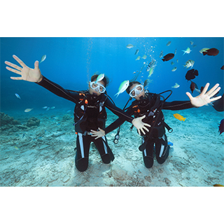 Safe tour even for beginners. Dive Experience in Okinawa!